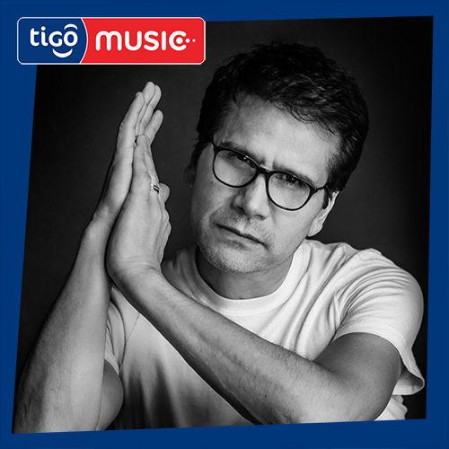 Escuchá la Playlist Lo Mejor de Jesus Adrian Romero